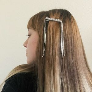 Waterfall rhinestone hair clip